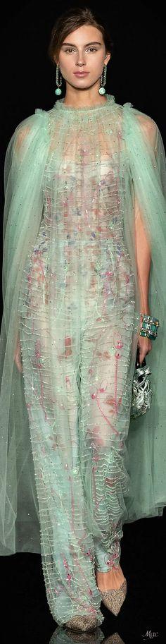 Armani Prive, Classic Style Women, Fashion Updates, Beautiful Outfits, Beautiful Clothes, Italian Fashion, Couture Fashion, Women's Fashion, Unique Fashion