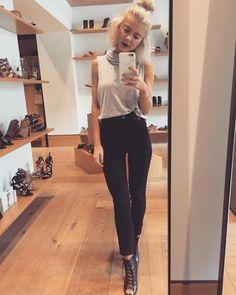 "267 Likes, 8 Comments - Laura Jade Stone (@laurajadestone) on Instagram: ""Sunday  #tbmixa"""