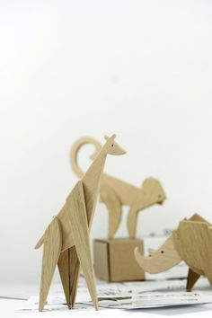 wooden-toy-the-animal-kingdom