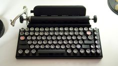 This USB Keyboard Will Bring Back The Nostalgic Clicks Of A Vintage Typewriter: Now you can buy a typewriter-like keypad that connects to your PC or tablet through USB. This vintage-style modern. Retro Typewriter, Typewriter Keys, Antique Typewriter, Portable Typewriter, Bluetooth Keyboard, Computer Keyboard, Alter Computer, Muebles Shabby Chic, Tablet Stand