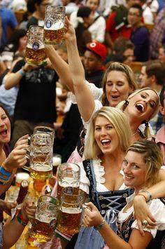 Scrumpdillyicious: Oktoberfest: Biergartens, Bratwurst & Oompah Bands...