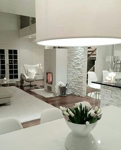 White brick walls - Photo by: . Interior Design Living Room, Living Room Designs, Living Room Decor, Interior Decorating, White Brick Walls, Deco Design, House Rooms, Home And Living, Sweet Home