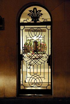 The door of the shop by erikomoket, via Flickr  Paris