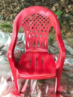 Don't throw away that UGLY outdoor furniture! This easy DIY ANYONE can do shows how to spray paint plastic chairs without spending a lot of money or time! Outdoor Plastic Chairs, Plastic Tables, Outdoor Chairs, Outdoor Furniture, Painting Plastic Furniture, Spray Paint Plastic, Compact Table And Chairs, Leather Chair With Ottoman, Adirondack Chair Cushions