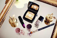 mac lipstick + chanel nail polish