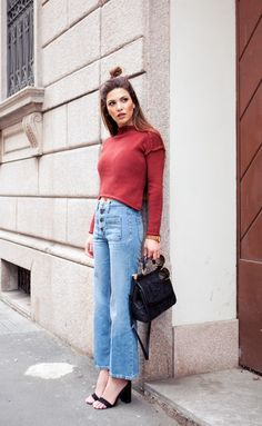 turtleneck-with-high-waist-jeans