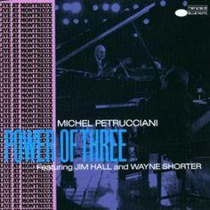 ミシェル・ペトルチアーニ「パワー・オブ・スリー」。モントルージャズフェスティバルのジム・ホール、ウエイン・ショーター、ミッシェル・ペトルチアーニのライブ音源。最後のBimini というカリプソの曲が大好き。ちなみにこの曲、他に誰が演奏してるんだろう。