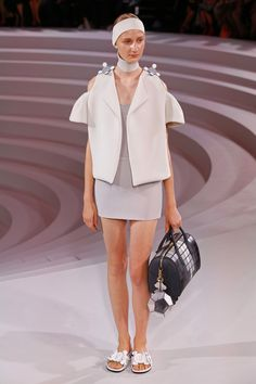 Anya Hindmarch | Ready-to-Wear Spring 2017 | Look 6