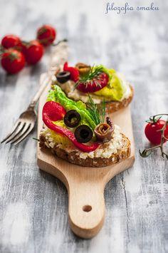 Crostini z anchois/crostini with anchovies