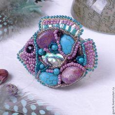 """Брошь-кулон """"Рыбка весеннего настроения"""" из камней и бисера. Handmade."""