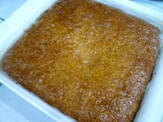 Jan Ellis pudding, named after the famous South African rugby player, is similar to Malva pudding, but without the vinegar. Pudding Desserts, Pudding Recipes, No Bake Desserts, Dessert Recipes, Tart Recipes, Cooking Recipes, Malva Pudding, South African Recipes, Dessert Decoration