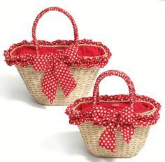 Handmade Handbags, Handmade Bags, Shabby Chic Art, Masha And The Bear, Bags For Teens, Basket Bag, Basket Decoration, Easy Diy Crafts, Knitted Bags