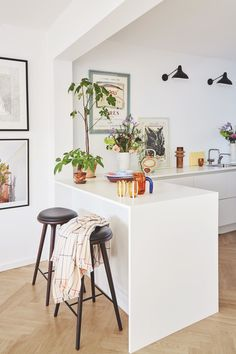 Kitchen Room Design, Kitchen Interior, Room Interior, Kitchen Dining, Kitchen Decor, Kitchenette, Dream Decor, Cool Kitchens, Sweet Home