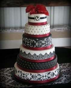 Omg I would so love to have this cake @ my wedding!