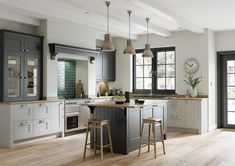 82 kitchen design and decoration design models that are right for your home kitchen design inspiration - frasesdemoda . Shaker Kitchen Doors, Grey Shaker Kitchen, Shaker Style Kitchens, Kitchen Units, Home Kitchens, Kitchen Ideas, Shaker Doors, Kitchen Ranges, Kitchen Colors