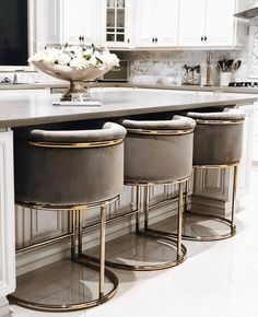 Looking for dream kitchen inspiration? Be tempted by these stunning nature inspired luxurious kitchens by top interior designers! Home Decor Kitchen, Interior Design Kitchen, New Kitchen, Home Kitchens, Kitchen Ideas, Kitchen Grey, Room Kitchen, Kitchen Modern, Kitchen Walls