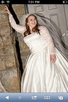 Full figure bride!
