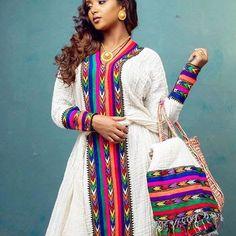 I Really like traditional african fashion Ethiopian Traditional Dress, Traditional Dresses, Pakistani Fashion Casual, Abaya Fashion, African Fashion Designers, African Fashion Dresses, African Wear, African Dress, Ethiopian Wedding