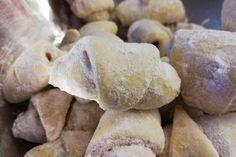 """Rohlíčky ze zakysané smetany"" | jitulciny-recepty.cz Nutella, Stuffed Mushrooms, Food And Drink, Potatoes, Bread, Cookies, Vegetables, Eten, Stuff Mushrooms"