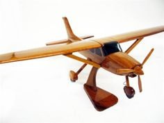 Cessna 182 - Premium Wood Designs #Civilian #Aircraft premiumwooddesign... Wooden Gifts, Wood Toys, Rockets, Wood Design, Airplanes, Puzzles, Woodworking Plans, Aircraft, Carving