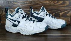 1a1153e0ff84 Лучших изображений доски «Nike (vintage sneaker)»  55 в 2019 г ...