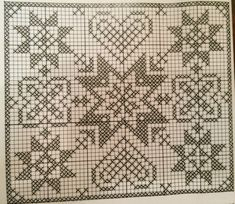 A Glimpse of Christmas – Ausblick auf Weihnachten Crochet Quilt, Filet Crochet, Xmas Cross Stitch, Cross Stitching, Cross Stitch Designs, Cross Stitch Patterns, Beading Patterns, Crochet Patterns, Dollhouse Miniature Tutorials