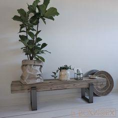 Salontafel 'Solid' is een industriële salontafel met een combinatie van oud, natuurlijk verweerd hout en een stalen frame. Deze tafels worden handgemaakt. Decor, Furniture, Furniture Sketch, Interior, Interior Inspiration, Bajot, Home Decor, Home And Living, Interior Deco