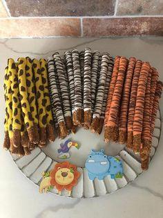 Safari Birthday Cakes, 2nd Birthday Party For Girl, Jungle Theme Birthday, Birthday Ideas, Safari Party Foods, Safari Theme Party, Zoo Party Food, Safari Food, Jungle Safari Cake