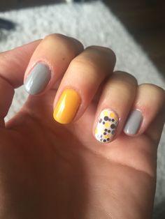 Gel nails, grey, yellow, white, flitter, polka dots #FunNailArtIdeas