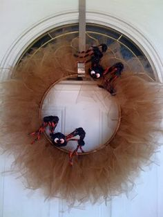 Dollar Store Crafts » Blog Archive » Roundup: More Halloween Wreath Ideas