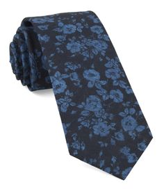 45 Wedding Ties That Aren't Boring AF (A Practical Wedding) Traditional Jacket, Floral Bow Tie, Tie Crafts, Slim Tie, Wedding Ties, Wedding Attire, Wedding Bells, Tie Styles, Accessories