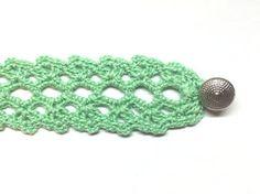 Crochet Lace Bracelet ~ FREE Pattern