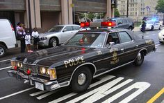 United States Capitol Police A classic 1973 Ford LTD U. Capitol Police cruiser participates in a parade during National Police Week 2012 in Washington D. Old Police Cars, Ford Police, Police Patrol, Cars Usa, Us Cars, Sport Cars, Sheriff, Emergency Vehicles, Police Vehicles