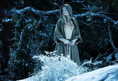 Elle Fanning as Aurora in Maleficent from Walt Disney Studios. Film Maleficent, Angelina Jolie Maleficent, Maleficent Costume, Maleficent Aurora, Elle Fanning, Vanity Fair, Aurora Costume, Grunge, Walt Disney Studios