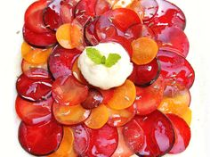 sliced plums and nectarines