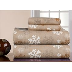 @Overstock - This Pointehaven snowflake print sheet set features a soft and comfy plain weave flannel construction. The sheets have brushing on both sides to provide warmth in winter months.http://www.overstock.com/Bedding-Bath/Pointehaven-Snowflakes-Oatmeal-Printed-Heavyweight-Flannel-Sheet-Set/7137018/product.html?CID=214117 $36.99