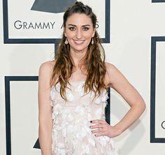 Grammy awards 2014 colored stones on  Sara Bareilles.