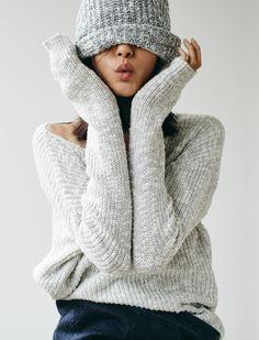 madewell leftbank sweater worn with the slouchy beanie + denim pencil skirt.