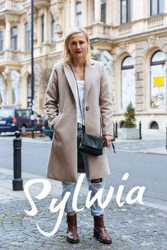 STREET STYLE: NA NIEPOGODĘ Blond, Street Style, Coat, Womens Fashion, Jackets, Warsaw, Down Jackets, Sewing Coat, Urban Style