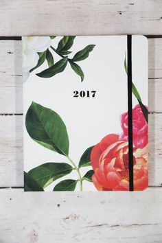 Next thing in my list to purchase! Kate Spade New York 17-Month Large Agenda {Patio Floral}