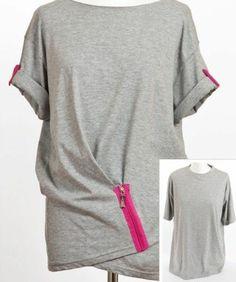 DIY Clothes Refashion: DIY T-Shirt Drapery with a Zipper DIY diy t-shirt diy fashion diy refashion diy clothes diy ideas diy crafts diy shirt diy top Clothes Refashion, Shirt Refashion, T Shirt Diy, Diy Clothing, Sewing Clothes, Clothing Blogs, Diy Outfits, Upcycling T Shirts, Upcycling Ideas