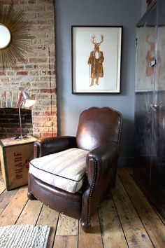 There's a hip new Residence shaking things up in London's Pimlico neighbourhood... http://www.we-heart.com/2014/11/05/artist-residence-hotel-london/