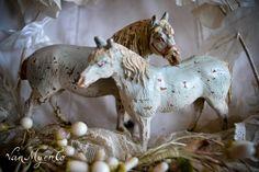 paardjes van papier maché