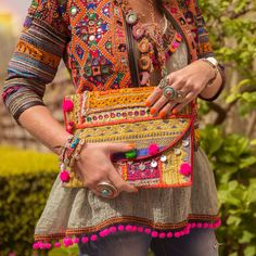 Ideas hat fashion street boho for 2019 Boho Chic, Bohemian Mode, Hippie Chic, Hippie Gypsy, Afghan Clothes, Afghan Dresses, Indian Fashion, Boho Fashion, Fashion Trends