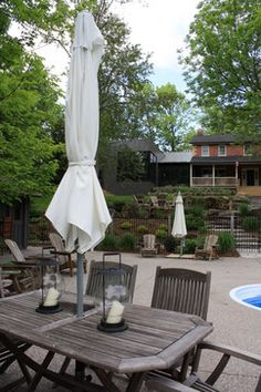 Harmonious: Rustic de Rigueur Moss Garden, Outdoor Furniture, Outdoor Decor, Landscape Design, Grass, Rustic, Architecture, Modern, Home Decor