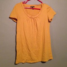 Daisy Fuentes Top yellow worn a few times✔️ Daisy Fuentes Tops Tees - Short Sleeve