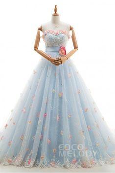 目移りしちゃう!豊富なデザインのドレスが6万円以下から揃う格安ドレスショップ『ココメロディ』がすごい*にて紹介している画像