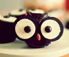 Locappy the Owl! Find great deals on our website for businesses that make some amazing cupcakes!!  #london #smart #owl #business #local #economy #food #cupcakes #cute #animals #deals #chocolate #offers #marketing #help #small #hyper #small #locappy