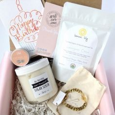 Artibox Collective is a brand new Canadian lifestyle subscription box. Each month with Artibox Collective, you can be delighted to discover… Subscription Boxes, Entrepreneur, Collection