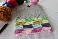 Pirjon kädenjälkiä, Ipad case with tapestry crochet